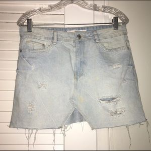 Denim mini skirt!